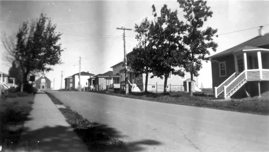 À l'été 1951, toutes les maisons étaient reconstruites.