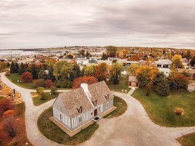 Maison Lamontagne et couleurs de l'automne