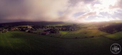 Lever de soleil sur le village