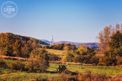 Le clocher et l'automne