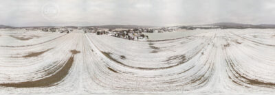 La neige est arrivée au village